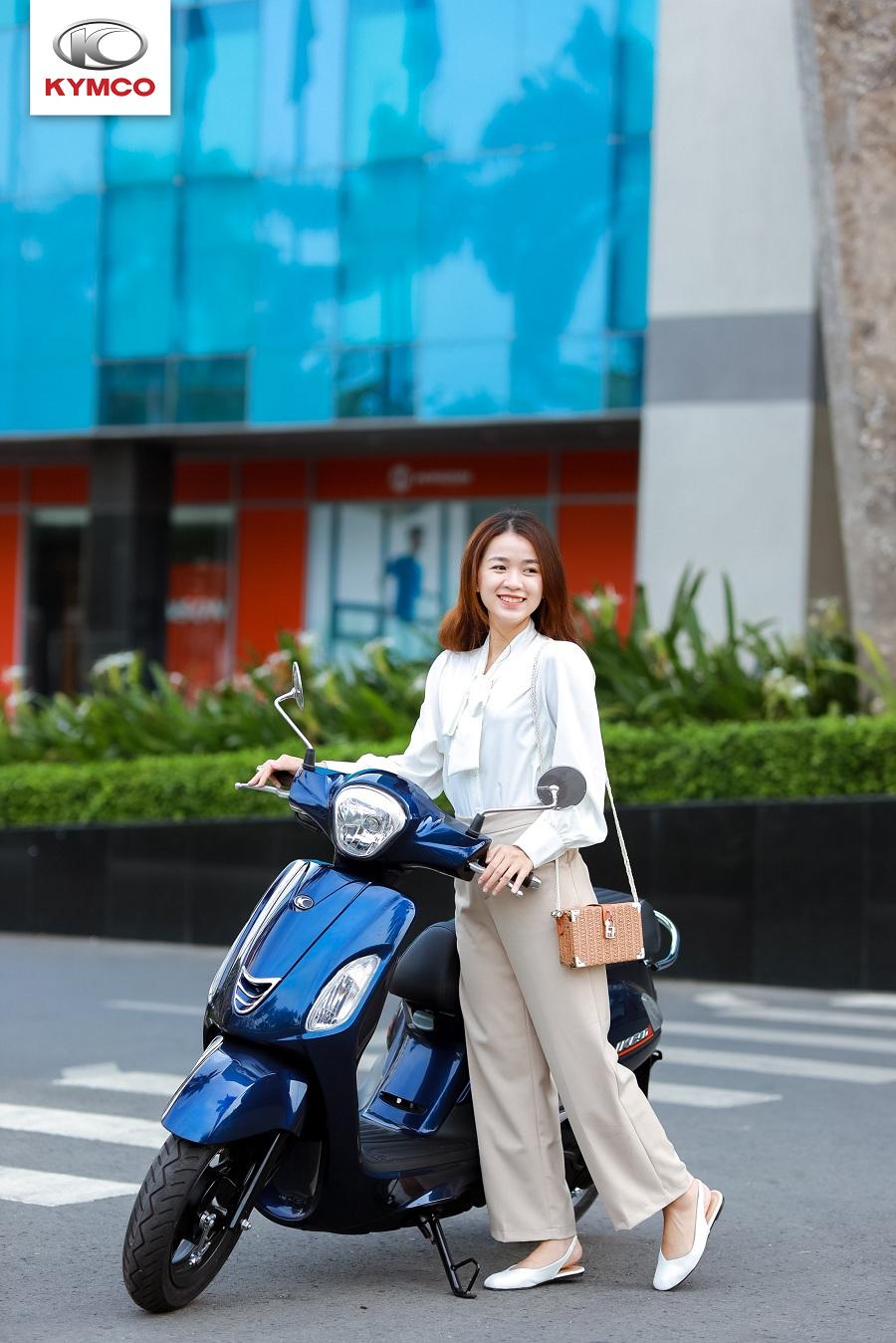 Like 50cc nhỏ gọn giúp di chuyển trên đường một cách thuận lợi và an toàn